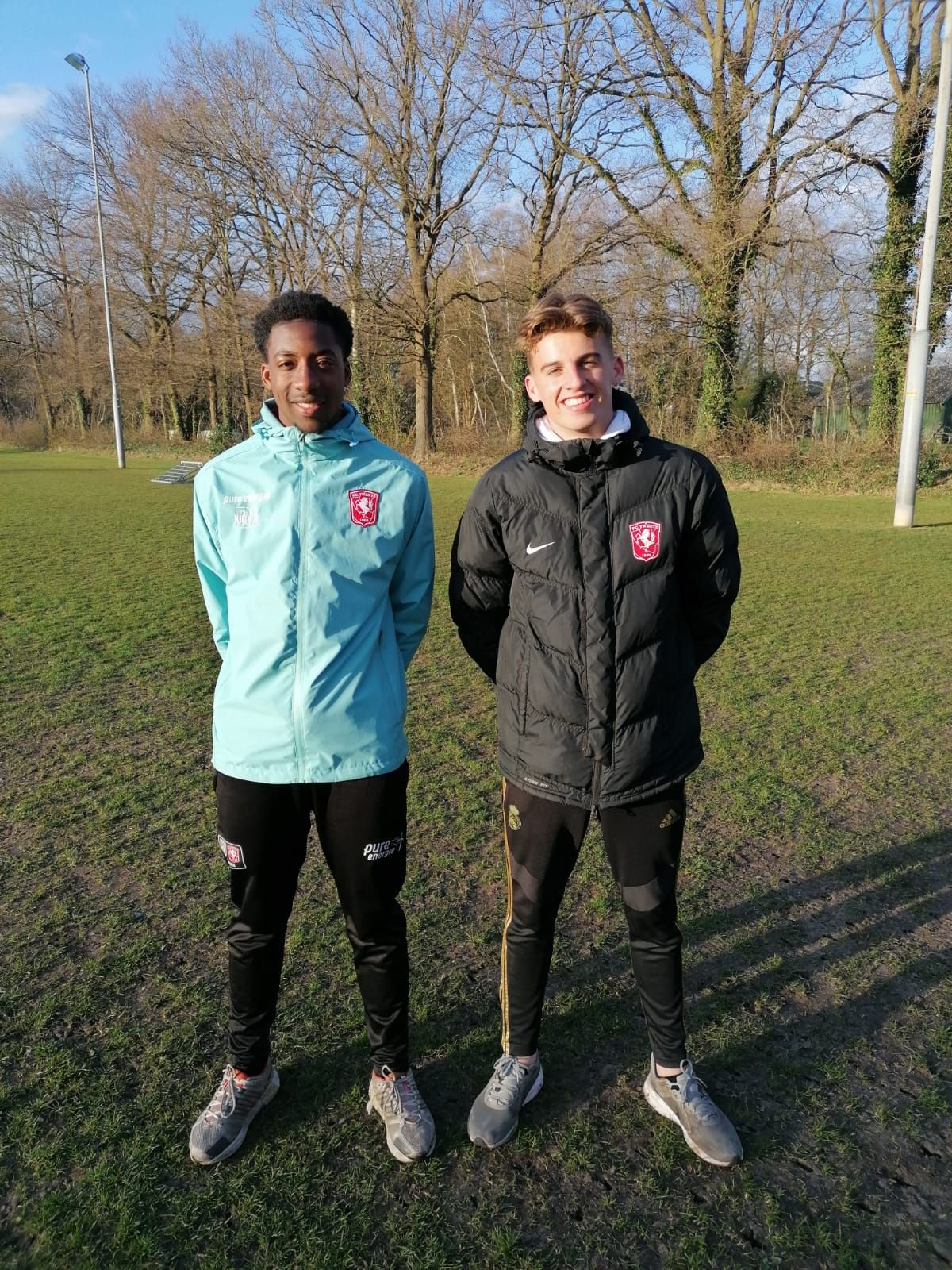 FC Twente/Heracles O21 spelers trainen MO15